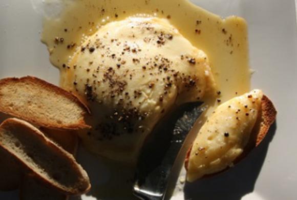 カマンベールチーズ ハチミツがけ
