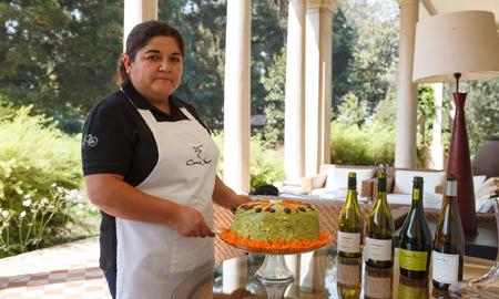 ネリー・シルバさん:コノスル名物「アボカドケーキ」で世界中からのゲストをもてなす、ゲストハウスのシェフ(2016年4月「ガーディアン」掲載記事訳)